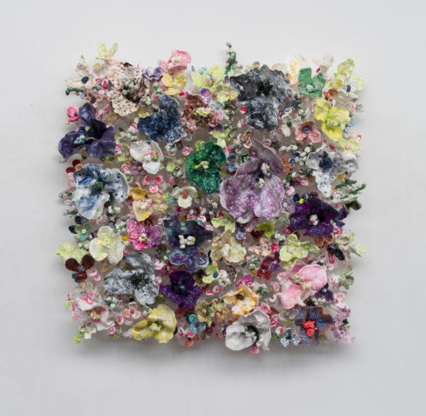 'Flower Bonanza' white stems 115x115x30cm